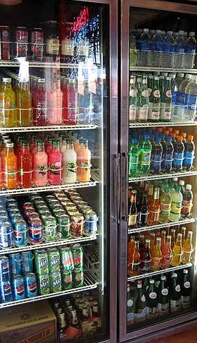 MILJØSYNDER: Kjøledisker og -skap i supermarkeder står bak flere millioner tonn klimagassutslipp i året.