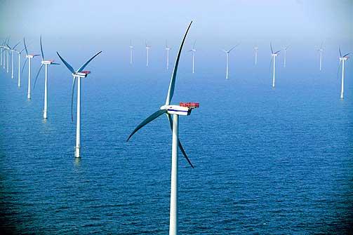 KRAFT PÅ HAVET: Framtidas elbehov bør i mye større grad dekkes opp i vindkraft hvis vi skal redde en kokende klode. Vindmøller offshore kan være løsningen.