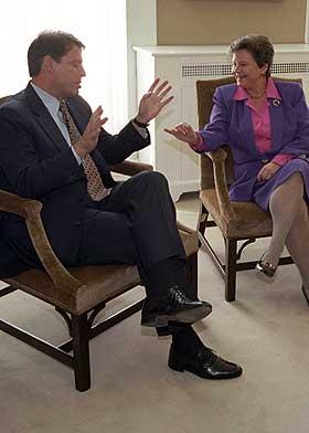 P� LAG: Al Gore og Gro Harlem Brundtland har hatt mye med hverandre � gj�re opp igjennom �ra, blant annet dro de i samme retning under milj�konferansen i Rio i 1992.