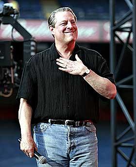 VIL NEPPE STILLE: Venner sier Al Gore vil motst� presset.
