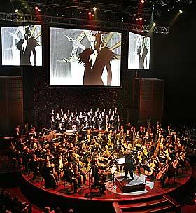 SPILLER SPILLMUSIKK: Fredag kan spillfans forvente en musikalsk opplevelse utenom det vanlige.