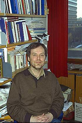 KOM FRAM TIL KONSPIRASJONSTEORIENES OPPRINNELSE: Professor �ystein S�rensen har skrevet historien om det hemmelige selskapet Illuminatus.