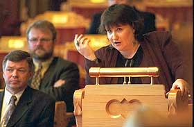 MILJ�VERNMINISTER: Fra 1997 til 2000 var Guro Fjellanger milj�vernminister i Kjell Magne Bondeviks regjering.