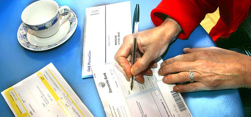 NEKT INKASSOBYRÅER: Du kan nekte at gjelden din skal kreves inn gjennom inkassobyråer, mener Gjeldsoffer-Alliansen.