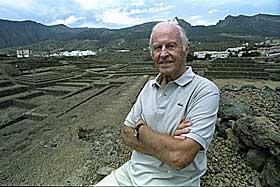LIVET HANS BLIR TV-SERIE Thor Heyerdahl avbildet p� Tenerife 8. september 1994.
