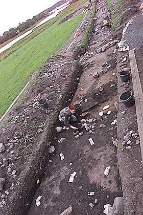SLIK SER DET UT I DAG: Skiringssal ved g�rden Kaupang er blitt n�ye unders�kt av arkeologer. Rundt 900 var byen forsvunnet.