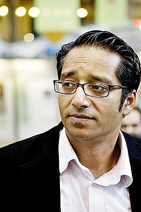 SYED-KASTEN: Etternavn som Syed forteller at man er f�dt i h�ykasten Syed. - Vi er etterkommere etter profeten Muhammed, sier Ap-politikeren Yousuf Gilani til Dagbladet.no.