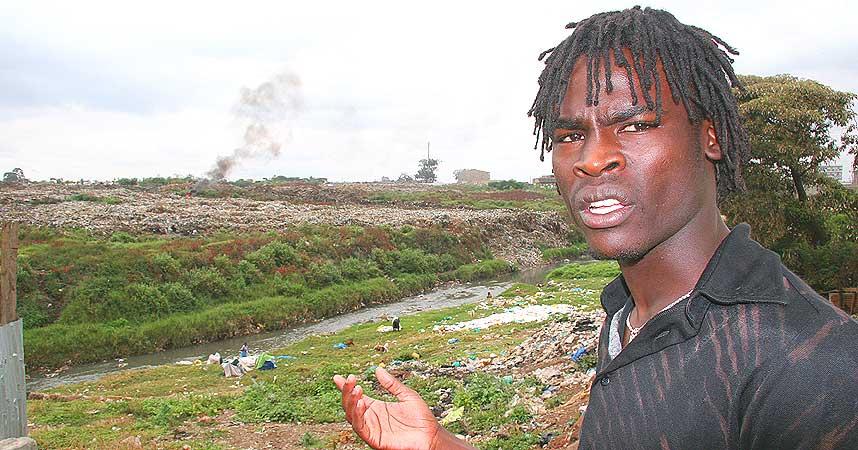 BER FOR KENYA: Francis Ngira (22) ber om at volden i landet hans skal opphøre. - Jeg har sett uvirkelige episoder. Uskyldige bare slaktes ned, sier han til Dagbladet.no.