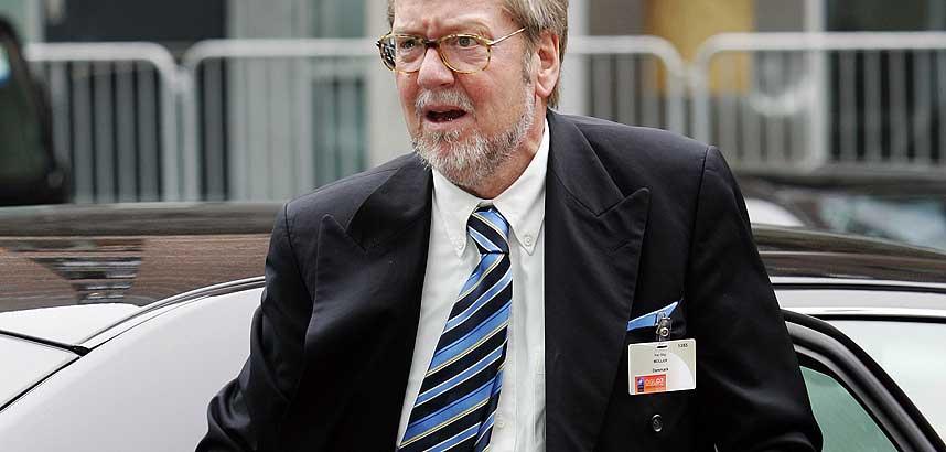 -VIL GJENINNF�RE TERRORPOLITIKKEN: Angrepet er Talibans fors�k p� � skremme vekk utenlandske hjelpere, sier den danske utenriksministeren Per Stig M�ller i en uttalelse fra regjeringen.