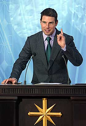 CRUISEFIKS: P� en video p� nettsida gawker.com kan du se Tom Cruise forkynne scientologiens ord.