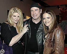 SE, DE SNAKKER: John Travolta og kona Kelly Preston sammen med skuespiller Kirstie Alley, som ogs� er medlem av scientologkirka.