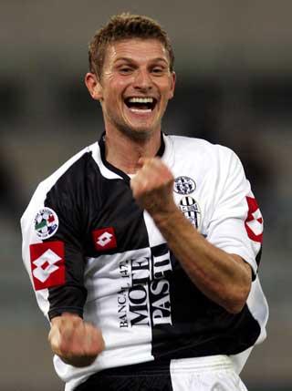 ITALIA-PROFF: Det er ikke s� mange nordmenn som har pr�vd seg i Italia. Flo spilte i Siena fra 2003 til 2005.