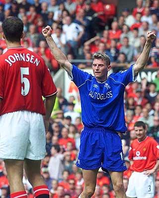 BLE HENTET FRA BRANN: Chelsea kj�pte stryningen fra Brann i 1996. Her feirer han en scoring mot Manchester United.