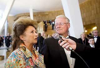 Carl I. Hagen og kona Eli var selvf�lgelige gjester i operaen.