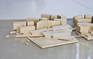 På yttersiden: Modellen av Tjuvholmen perfeksjoneres. Renzo Pianos nye museum for Astrup Fearnley-museet ligger ytterst mot fjorden.
