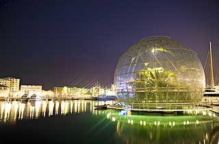 Tropisk: Et akvarium og en glasskule med en tropeverden var noe av det Piano skapte da han fornyet den gamle havna i Genova.