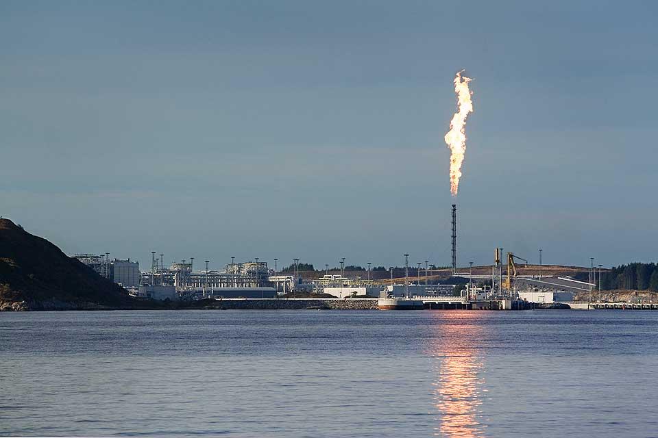 SLIPPER UT MER ENN F�R:  Statoil gjener mer penger og slipper ut mer klimagass en f�r.
