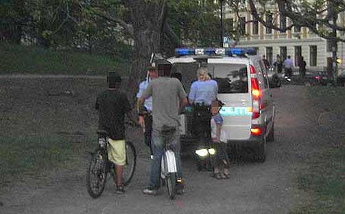 OPPVASKM�TE: politiet inviterer til storm�te mellom de unge guttene, foreldrene deres og kvinnene som ble antastet ved Sofienbergparken i Oslo l�rdag kveld.