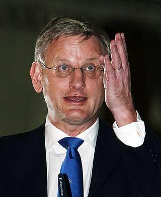 PINLIG: Tidligere statsminister Carl Bildt var sentral i den f�rste ub�tkommisjonen, som ikke var i tvil om at det de h�rte p� lydb�ndet fra 12. oktober 1982, var en russisk ub�t.