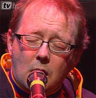 JOIK FOR FRAMTIDA: Johan Sara akkompagnert av Kristin Sevaldsens saksofon.