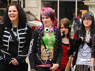 Emo-kids i England protesterer mot The Daily Mails beskrivelse