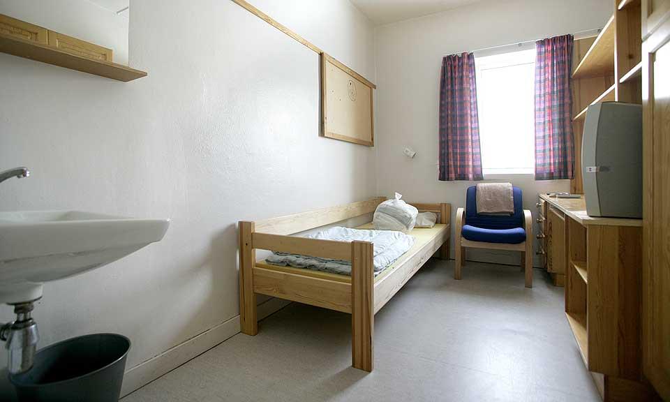 FOR FINT?: Ei celle på Ila fengsel - av betydelig høyere standard enn mange celler i utlandet.