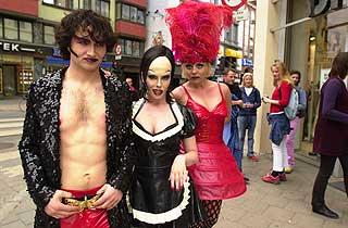 NORSK VERSJON: Slik så Mathias Eckhoff, Trine Svensen og Linn Skåber ut da de satte opp «The Rocky Horror Picture Show» på Centralteatret i 2000.