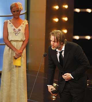 GLAD: Prisen for beste mannlige hovedrolle gikk til Trond Espen Seim. - Ikveld blir det fest, sier Seim til Dagbladet.