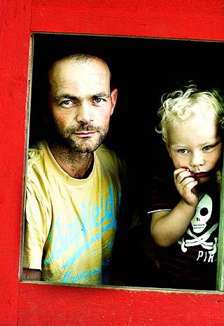 LEKESTUE: Det var uroen ved å sende sønnen Thorvald i barnehage allerede som ettåring, som har resultert i boka «Hva skal vi med barn?».
