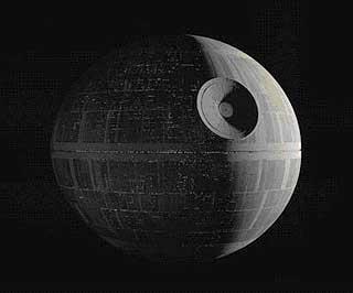 LIGNER 3: Den ikke helt ukjente dødsstjernen, som først dukket opp i «Star Wars»-filmen «Episode IV: Et nytt håp».
