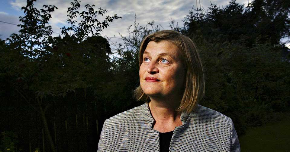 STERKE MENINGER: Elin Ørjasæter kommer med ny bok i morgen. I boka hevder hun blant annet at kvinner bør være over middels pene for å få jobb, men helst ikke altfor vakre.