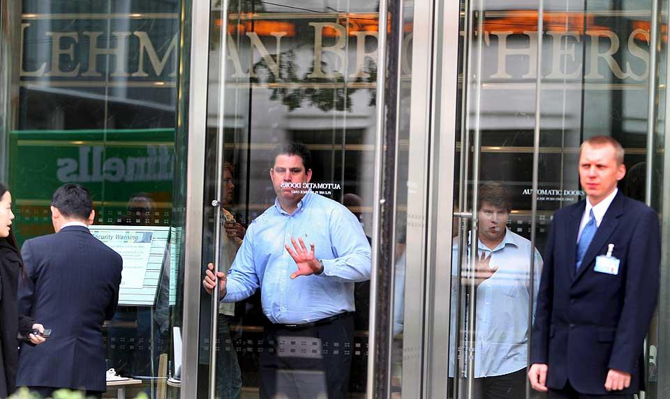 KRISE: Ansatte i  Lehman Brothers hadde nok å tenke på i dag.