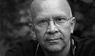 FORFATTEREN: Rune Belsvik har skrevet mange barnebøker. Hans siste, «Tjuven», har skapt debatt.