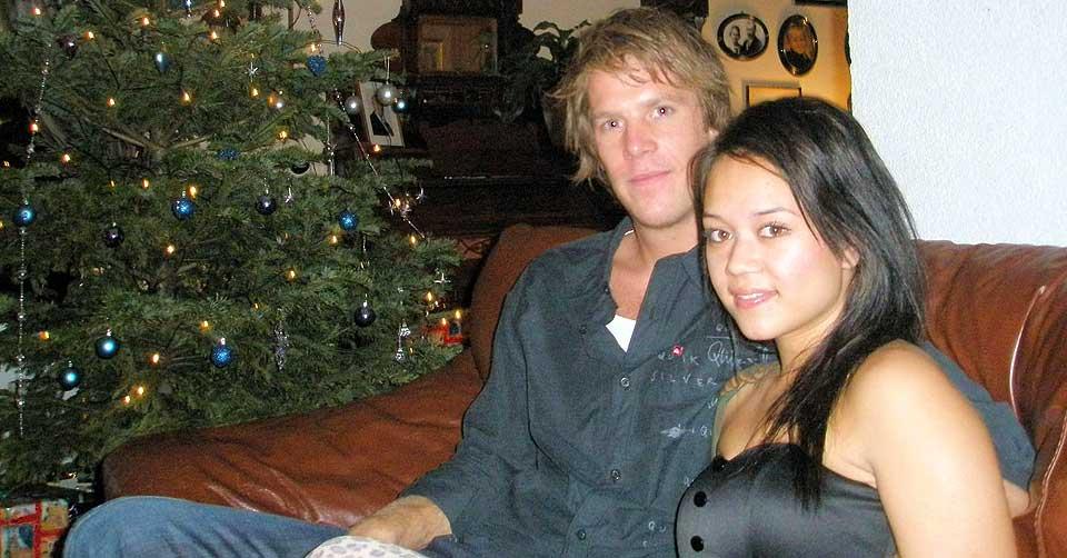 MINUS JULEGAVE: Eliza Hansen (22) måtte gå skuffet hjem fra postkontoret på julaften, uten å få hentet pakken sin. Julekvelden ble feiret med kjæresten Pontus Krook.
